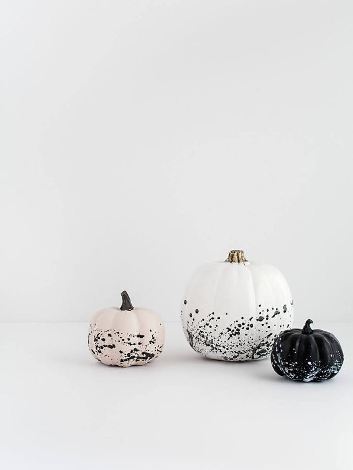 DIY Paint Splattered Pumpkins | No-Carve Pumpkin Decorating Ideas For This Halloween