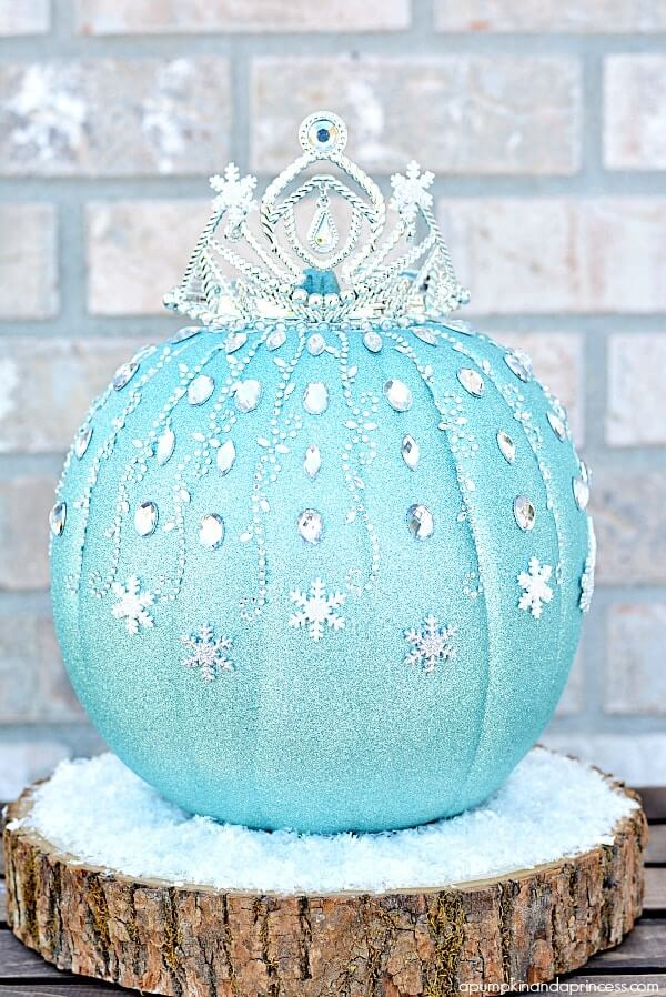 Frozen Elsa Pumpkin | No-Carve Pumpkin Decorating Ideas For This Halloween