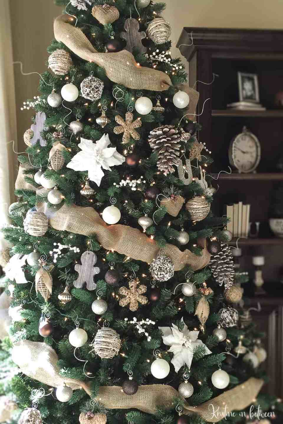 Holiday Charm | Best Way to Decorate Christmas Trees on a Budget: Inexpensive or Free & Easy Holiday Ornaments & Decorations