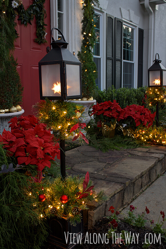 Christmas front door | Christmas Door and Window Lighting Decorating Ideas