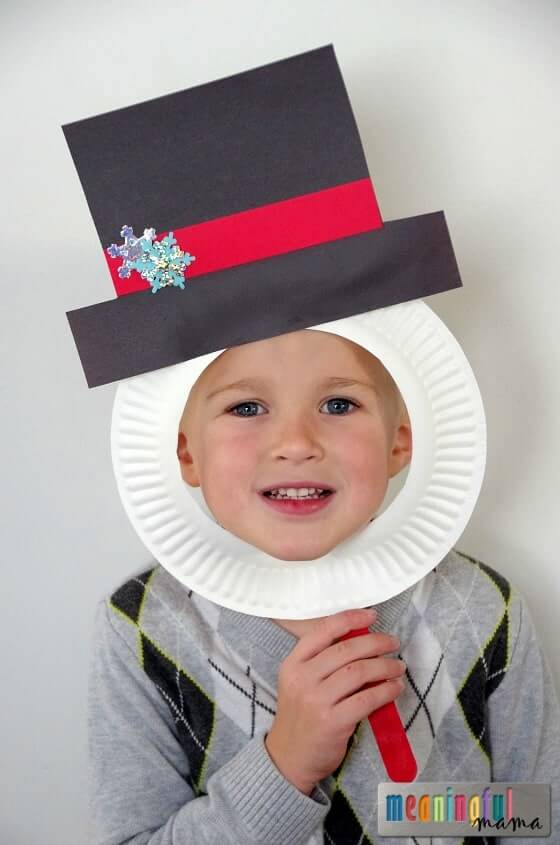 Snowman paper plate masks | Christmas Craft Ideas for Preschoolers