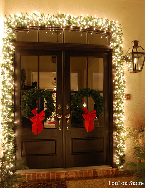 Outdoor lighting | Christmas Door and Window Lighting Decorating Ideas