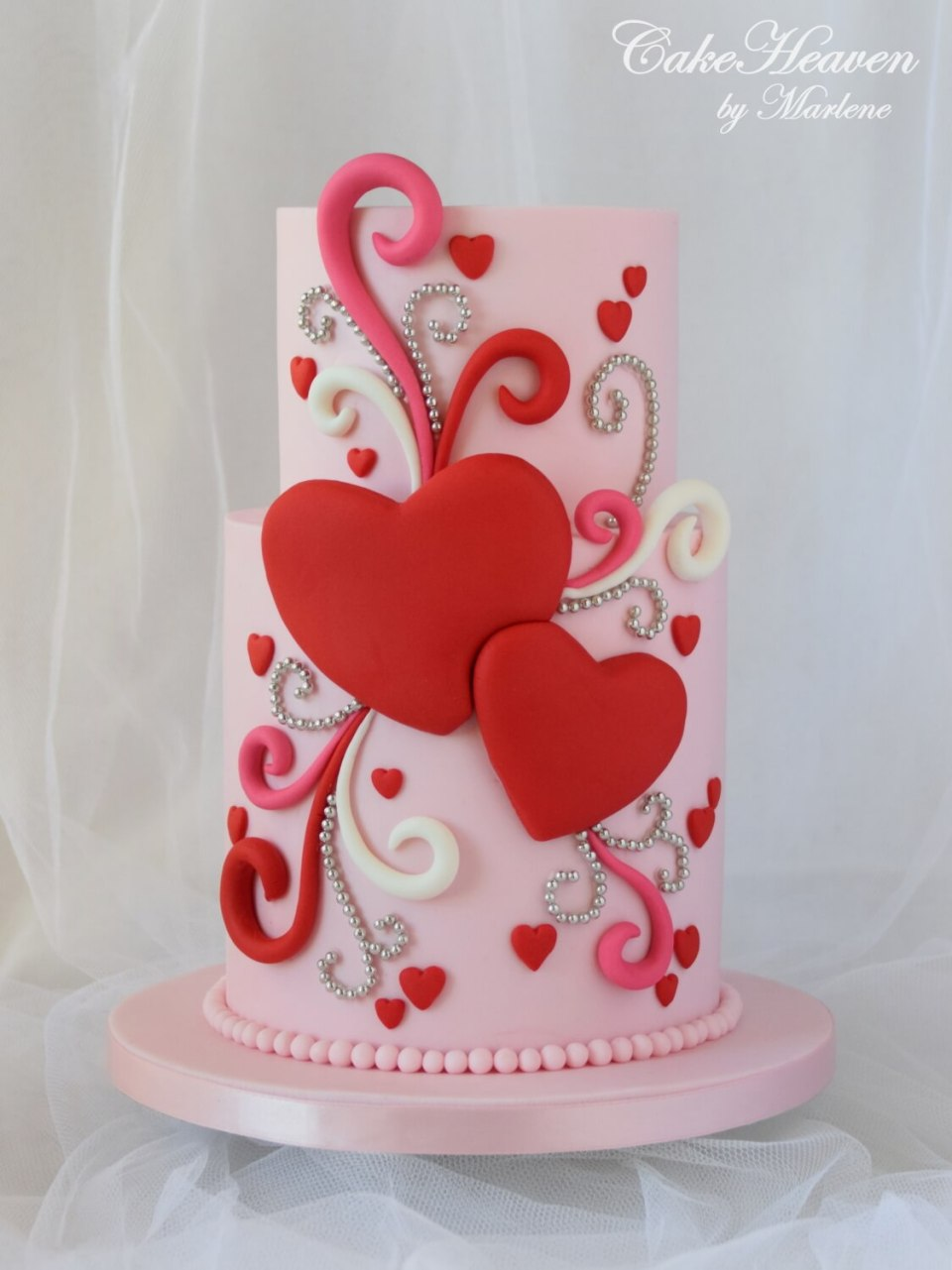 Valentine Cake | Valentine's Day Decorating Ideas For Your Lovers | FarmFoodFamily.com