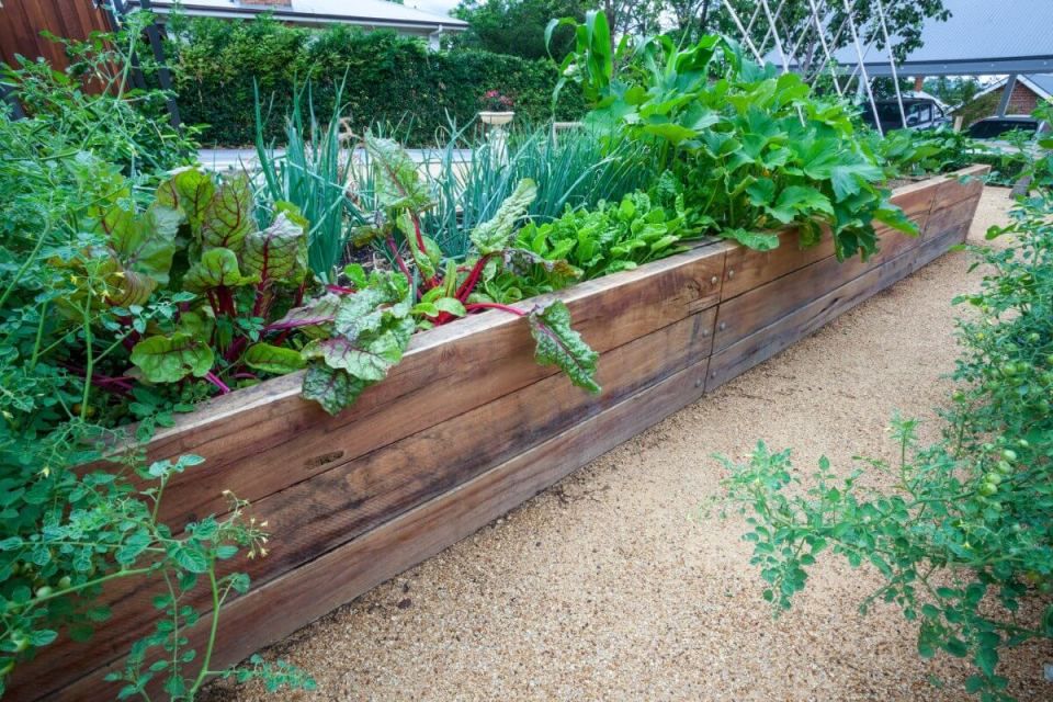 urban gardening  how to build a raised bed  15 ideas
