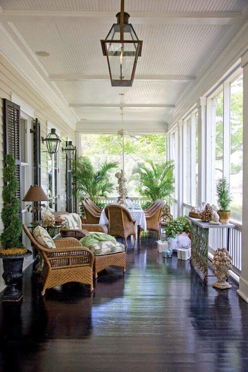 Screened porch love | Trending & Vintage Porch Lighting Ideas & Designs | FarmFoodFamily.com