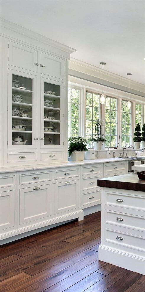 Elegant White Kitchen Cabinets Decor Ideas For Farmhouse Style Design | Best White Kitchen Cabinet Decor Ideas