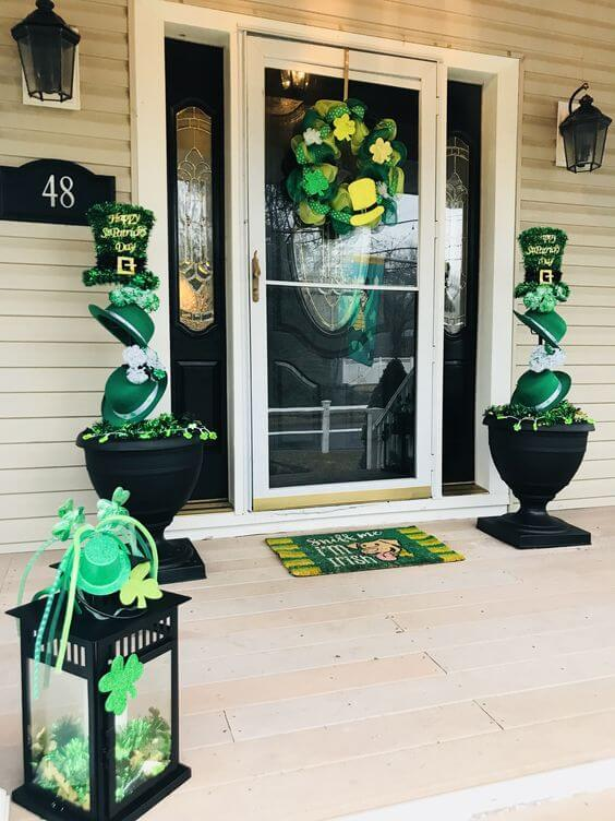 St. Patrick's day front porch | Creative St. Patrick's Day Decor Ideas