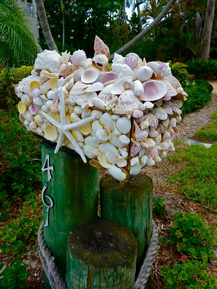 Beach themed mailbox | Best Mailbox Landscaping Ideas
