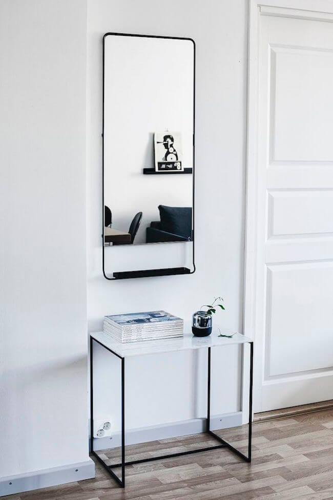 Striking charcoal tones | Best Entryway Mirror Decor Ideas