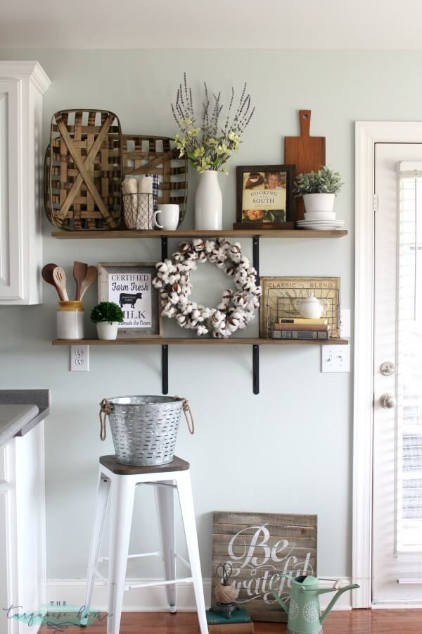 Farmhouse Shelves | Inspiring Farmhouse Kitchen Design & Decor Ideas