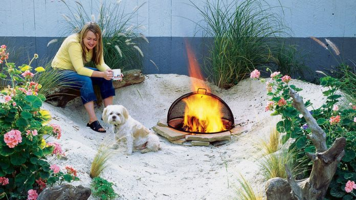Build a beach in a corner of your backyard | DIY Backyard Projects For Summer | FarmFoodFamily