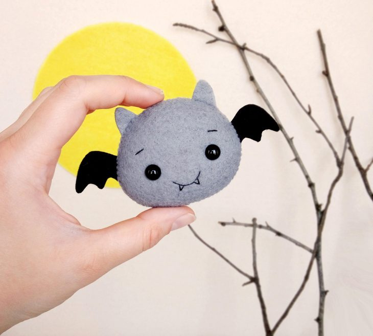 Bat ornament for halloween
