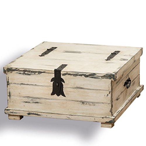 Merveilleux Cape Cod Distressed White Steamer Trunk Coffee Table ...