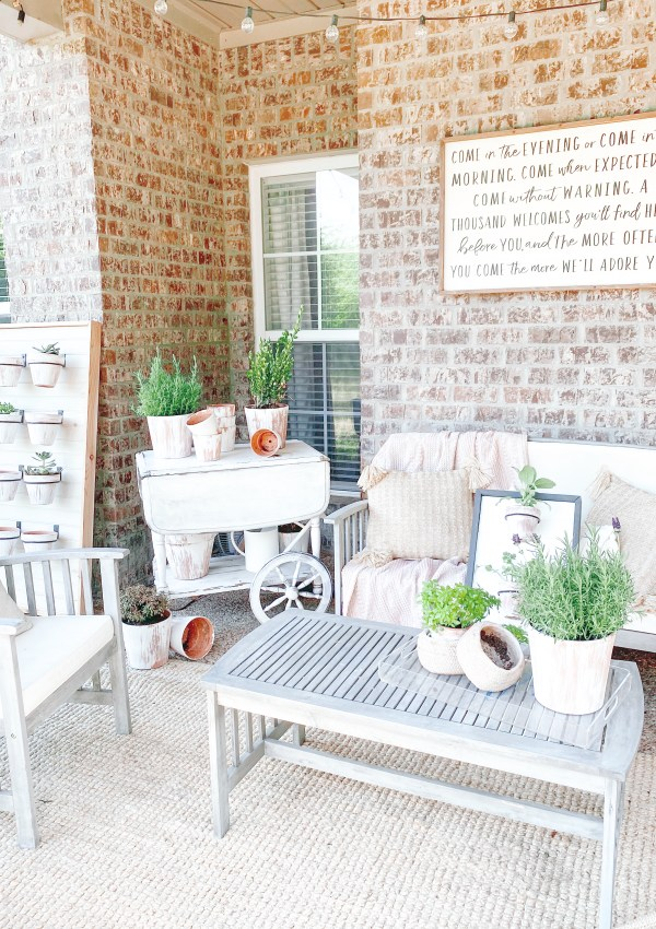 Summer Porch Decor – How I Styled My Porch For Summer On A Budget