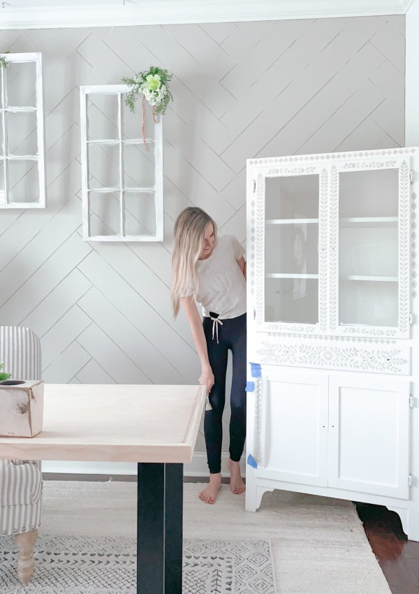 5 Quick Tips To Stencil Furniture Like A Pro (Plus, My Favorite Furniture Stenciling Kit)