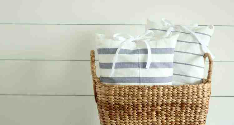 Super Simple DIY Pillows from IKEA Tea Towels