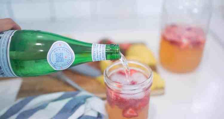 Sparkling Healthy Strawberry Lemonade Recipe