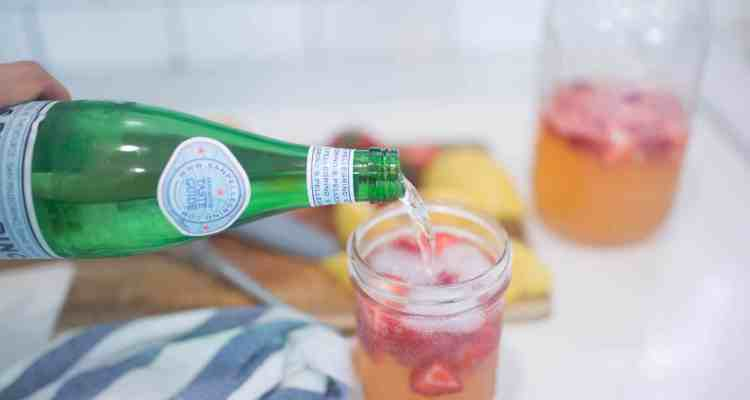 Sparkling Healthy Strawberry Lemonade Recipe