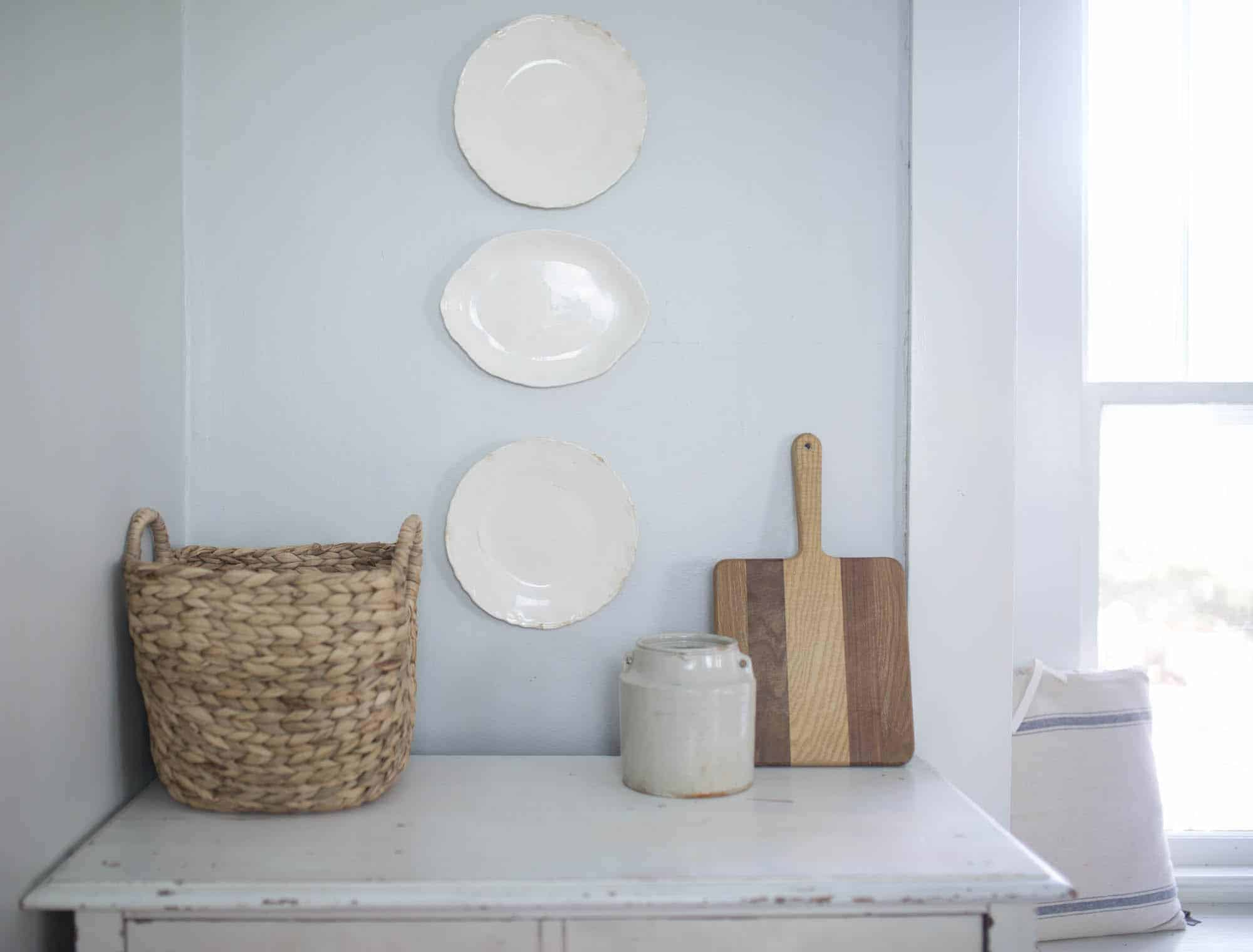 Learn How to Hang Plates on a Wall with Adhesive Plate Discs