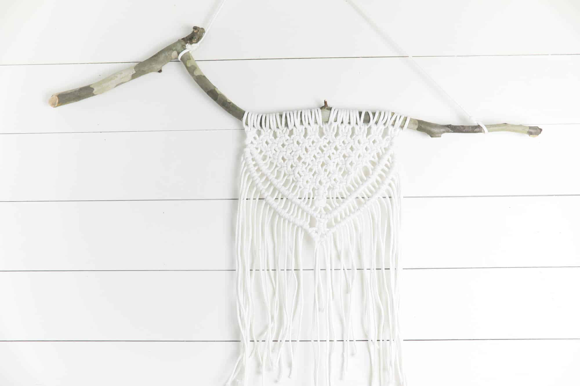 How to Make a Simple Macrame Wall Hanging