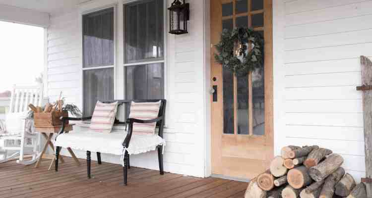 Farmhouse Christmas Front Porch Decor
