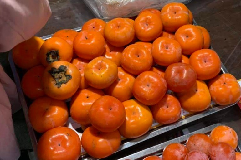 Persimmons at a Chinese farmers market. #farmstand5