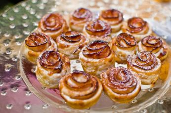 Mini Apple Rose Tarts