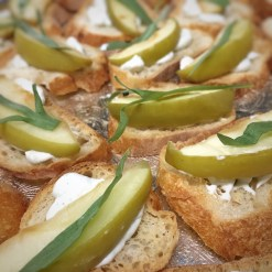 Apple with Blue Cheese and Tarragon Crostini