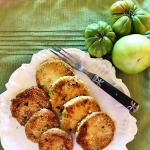 Low carb fried green tomatoes made with Aunt Ruby heirlooms