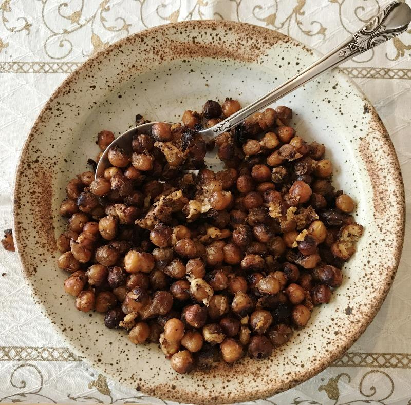 Low Carb Roasted Chickpeas