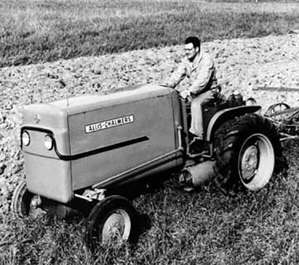 Allis-Chalmers Fuel Cell Tractor Pulling 2-Bottom Plow