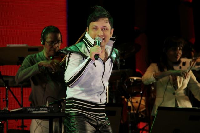Renan Sanches, vocalista da banda ARK