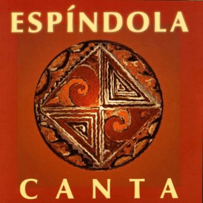 """Em """"Espíndola Canta"""" (2004), os irmãos e seus filhos se reúnem em torno de """"Reino do Pantanal"""", """"Indiazinha"""", """"Passarinhada"""", """"Ajoelha e Reza""""..."""