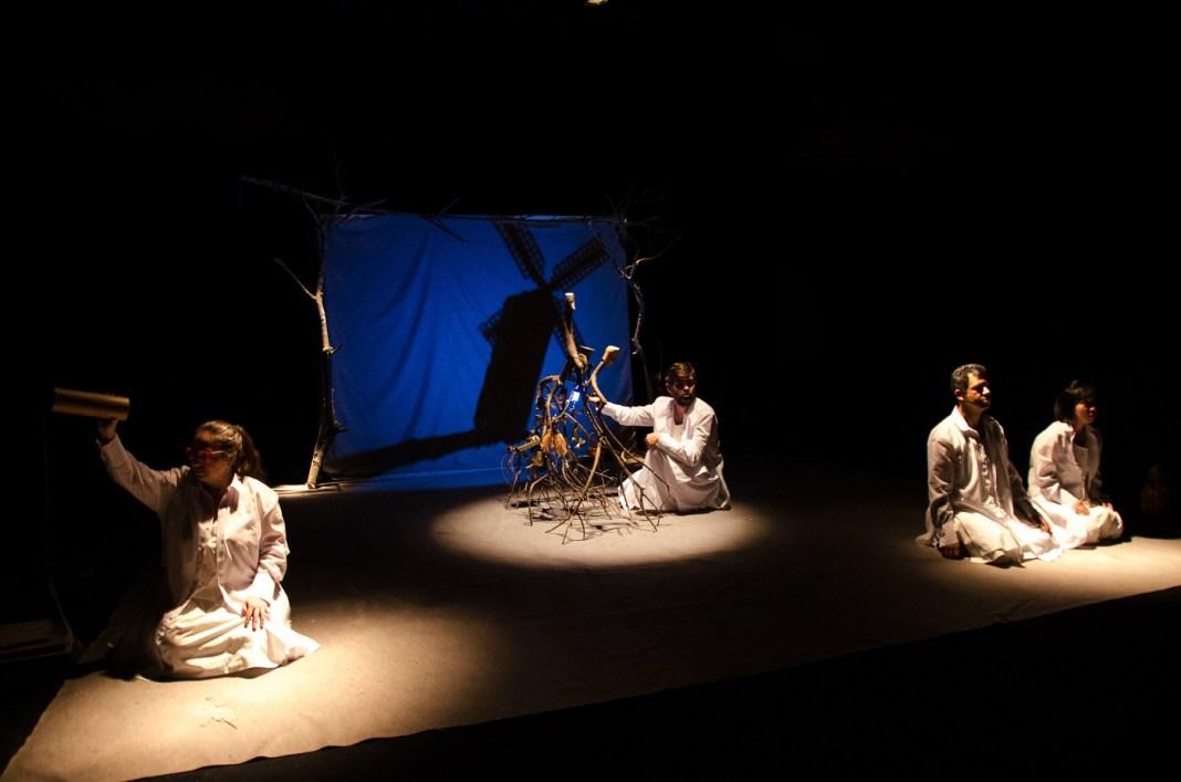 Grupo Sobrevento - Cena da peça Amigo Fiel