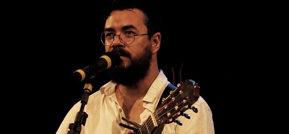 O cantor e compositor PC Silva. Foto: Rafael Moura/ Divulgação