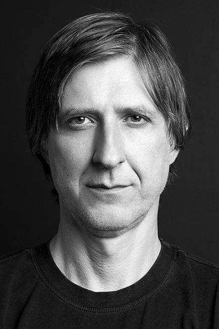 O poeta Marcelo Montenegro. Retrato: Marcus Steinmeyer. Companhia das Letras. Reprodução