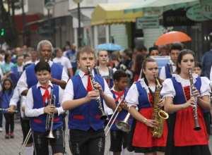 Desfile do aniversário de Blumenau (Marcelo Martins - PMB)