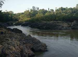 """Adolescente teria se afogado no local conhecido como """"garganta do diabo"""", no Rio Itajaí-Açu (CBM)"""