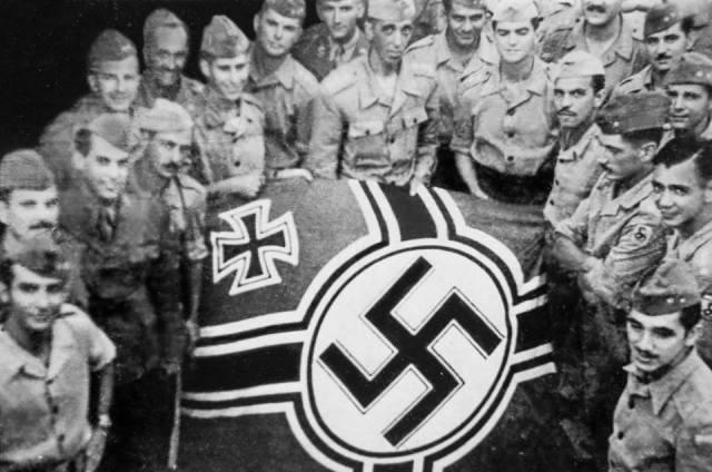 RENDIÇÃO INCONDICIONAL- Bandeira nazista captura pelos soldados da Força Expedicionária Brasileira – FEB, em 29 de abril de 1945 - foto do Museu do Expedicionário; reprodução Hugo Harada/GP