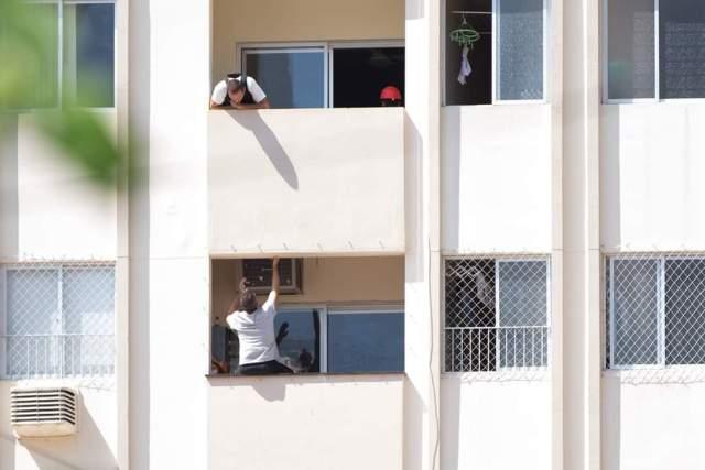 Autor do homicídio em negociação antes de se entregar - foto de Fabiana Jordan
