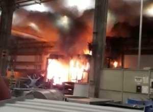 Incêndio na WEG de Jaraguá do Sul - imagem das redes sociais