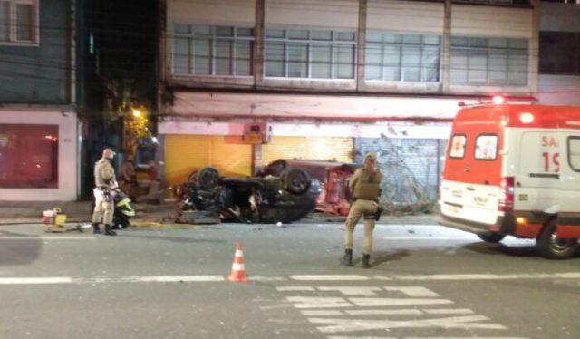 Acidente que provocou morte de jovem de 26 anos na Rua Sete de Setembro - foto do CBMSC