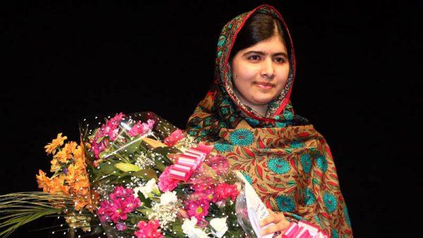 Photo of لارنس آف عریبیہ ہو کہ ملالہ  ہر شکل ہے صد چہرہ