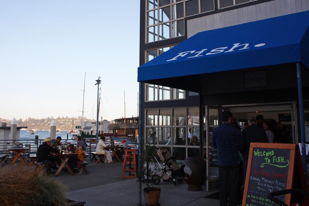 fish restaurant in sausalito, california