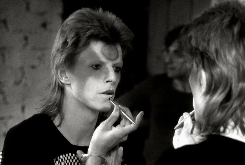 Detailed Ziggy Stardust Make Up Tips