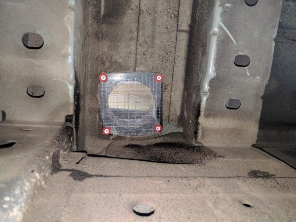 Fridge Floor Vent DIY Campervan Conversion (9)