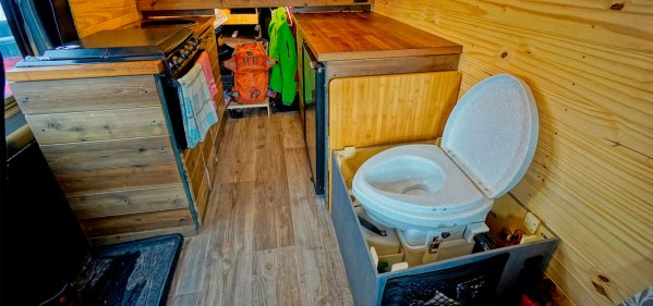 Natures-Head-Composting-Toilet-Review-DIY