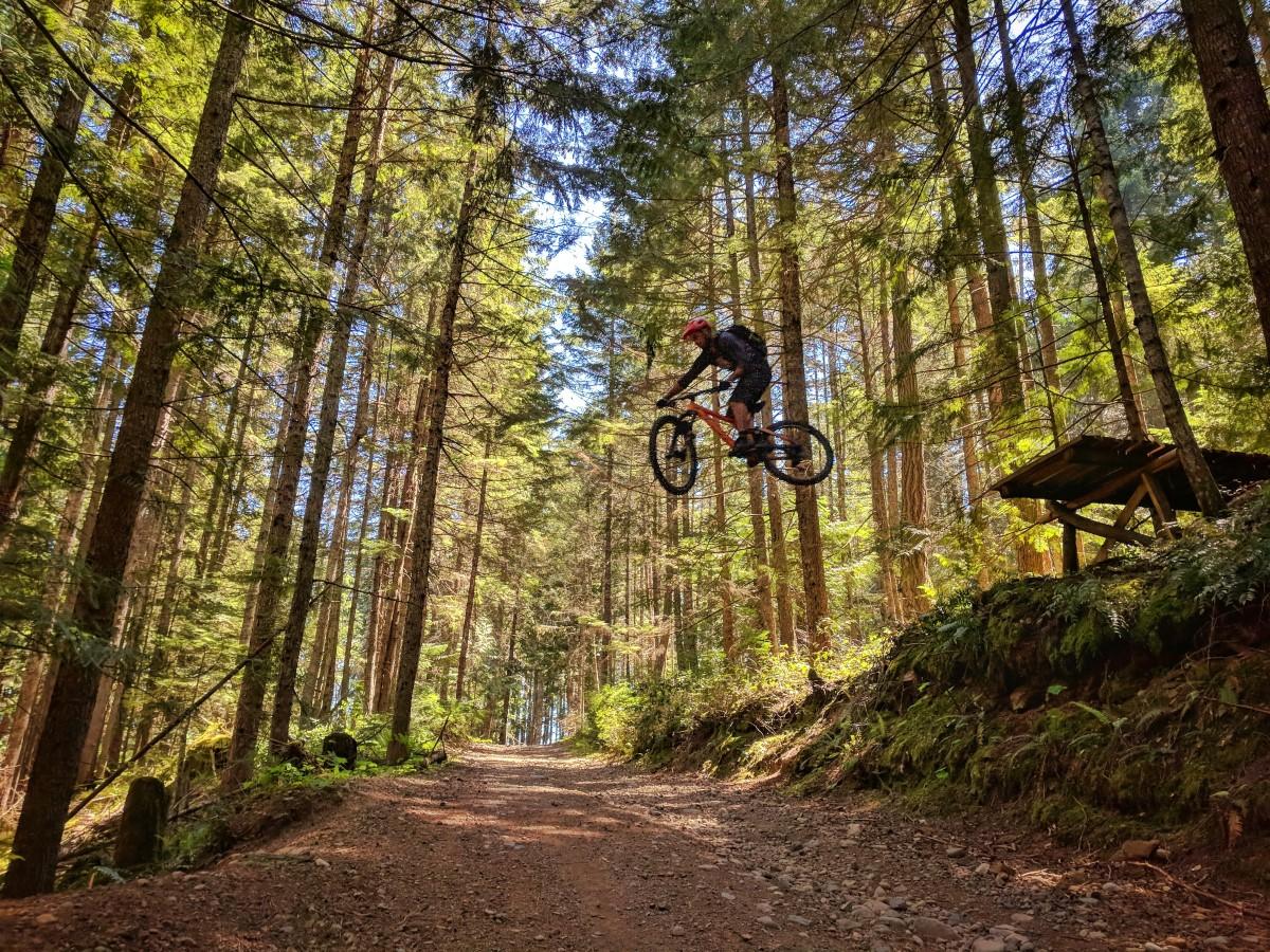 Faroutride Drop Doumont Trails