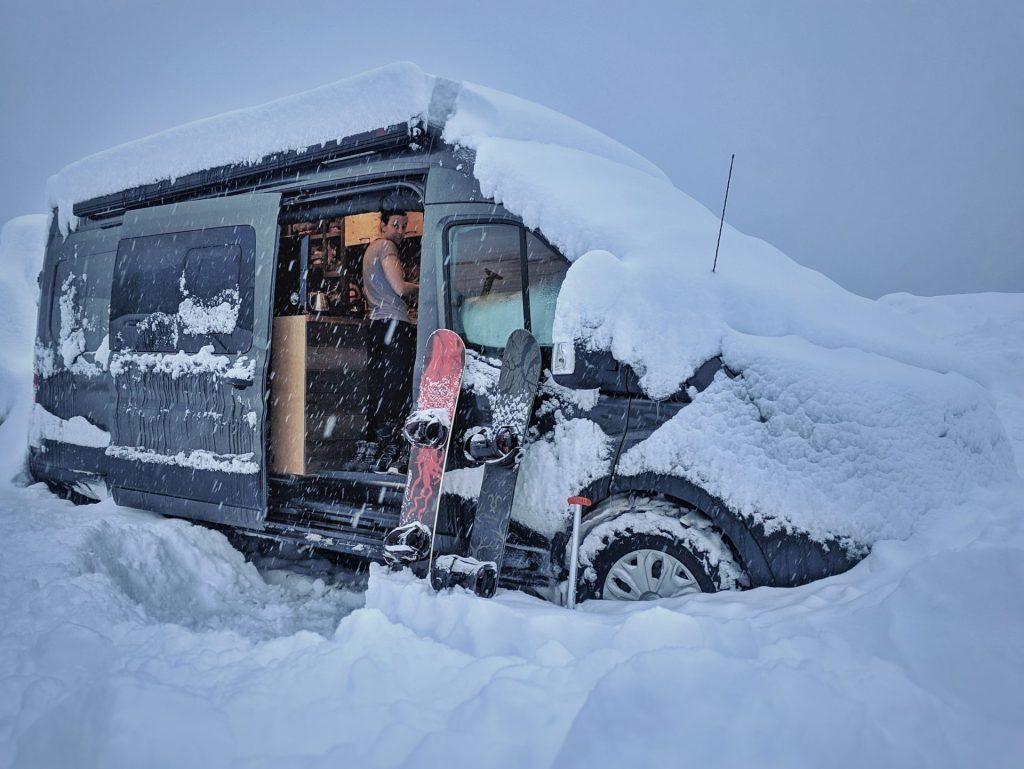 Vanlife Snow Snowboard Dump