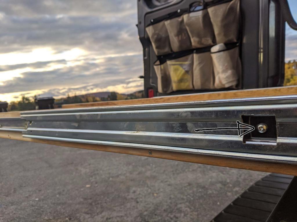 Mountain-Bike-Rack-Van-Storage-(1)